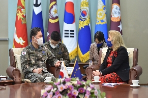 Gen Won meets EU Ambassador to Korea 대표 이미지
